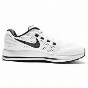 Nike Women's Air Zoom Vomero 12 Running Shoes, 6.5